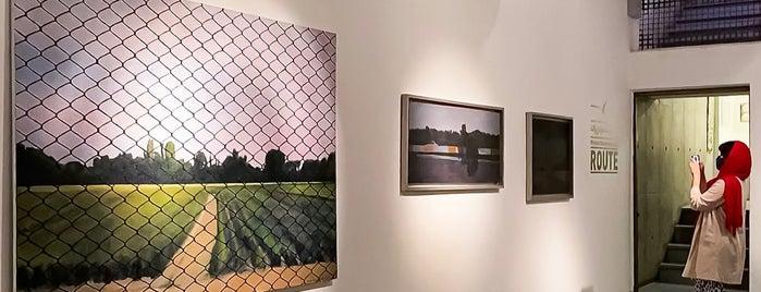 Azad Art Gallery | گالری طراحان آزاد is one of Lugares favoritos de Patrick.