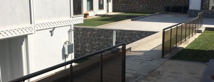 Kıbrıs Villaları is one of Locais curtidos por Omi.