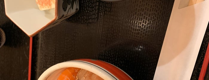 魚と旬の料理 まる is one of Gespeicherte Orte von Hide.