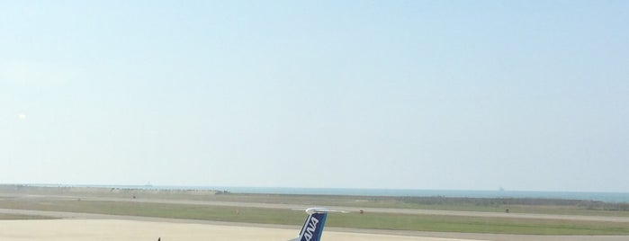 AIRIUM LOUNGE is one of สถานที่ที่ Shigeo ถูกใจ.