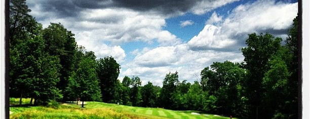 Westfields Golf Club is one of สถานที่ที่บันทึกไว้ของ Mary.