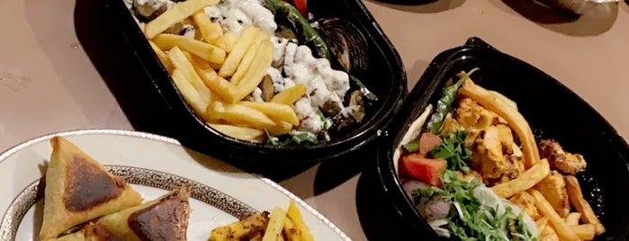 Al Ennabi Grill is one of สถานที่ที่ Rema ถูกใจ.