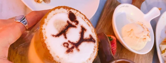Joy Cafe is one of Lugares favoritos de Rema.