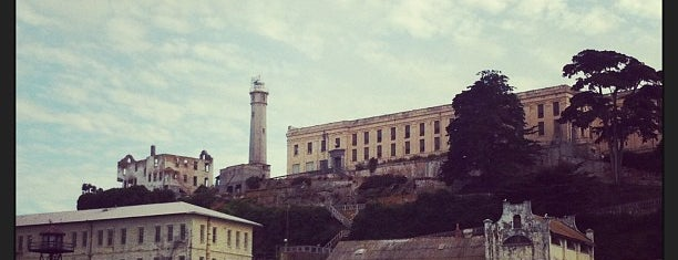 Ilha de Alcatraz is one of San Francisco Bay.