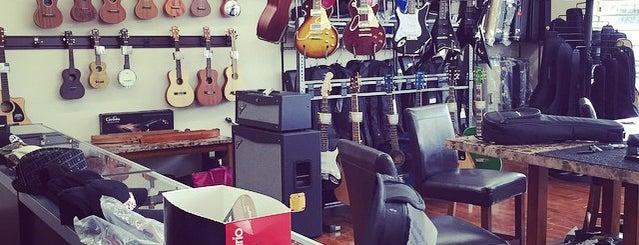 Sky Guitars is one of Tempat yang Disukai bardsley.