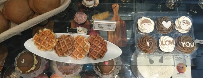 Cafe Bon Vivant is one of Tempat yang Disimpan E.