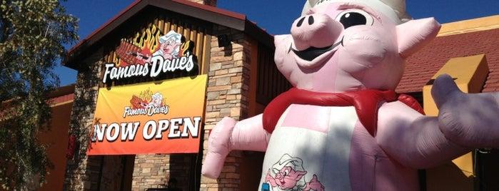 Famous Dave's is one of สถานที่ที่ alex ถูกใจ.
