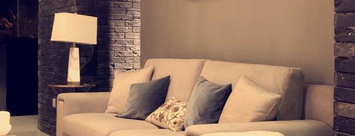 Daze Furnitures is one of Locais curtidos por FF.