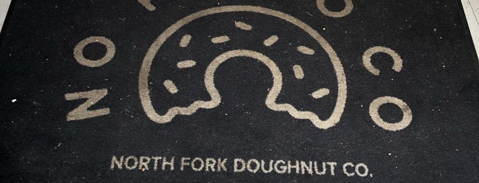 North Fork Doughnut Company is one of Christopherさんの保存済みスポット.