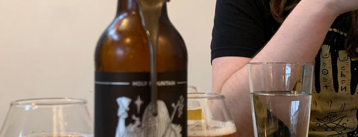 Holy Mountain Brewing Company is one of Orte, die Whit gefallen.