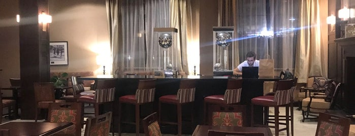 Yono's Restaurant is one of Locais curtidos por John.