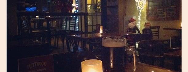 Nextdoor Pub & Grill is one of Lugares favoritos de Jessica.