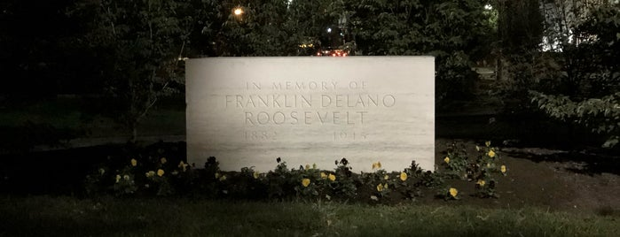 Original Franklin Delano Roosevelt Memorial is one of 111 Places in Washington You Must Not Miss.