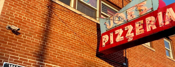 Joe's Pizzeria is one of Chicago.
