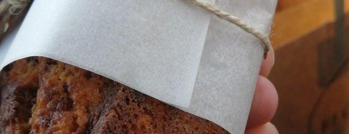 Flourish Bakery is one of Queen'in Kaydettiği Mekanlar.