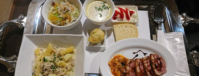 イタリア酒場OsteriaPinocchio is one of Locais curtidos por Kazu.