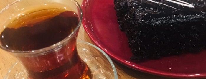 Jülyet Cafe Bistro is one of Ekrem'in Beğendiği Mekanlar.