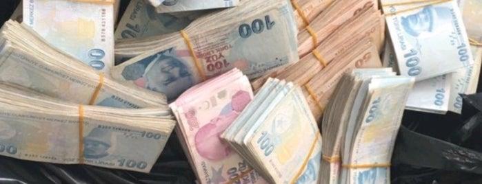Ziraat Bankası is one of MLTMSLMZ'ın Beğendiği Mekanlar.