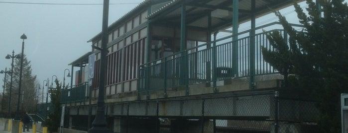LIRR - Hampton Bays Station is one of Posti che sono piaciuti a Mike.