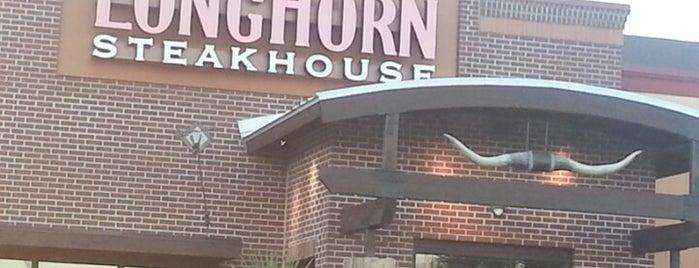 LongHorn Steakhouse is one of Orte, die Bayana gefallen.