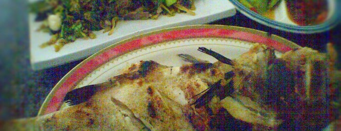 Restoran Ikan Tude Manado is one of The Life Aquatic.