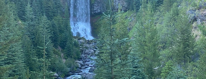 Tumalo Falls is one of Bend, Anniversary Weekend.