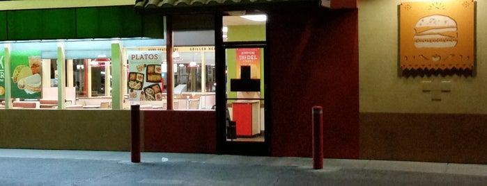 Del Taco is one of Lugares favoritos de Clayton.