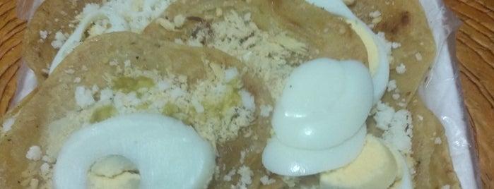 Las Delicias is one of สถานที่ที่ Jebuz ถูกใจ.