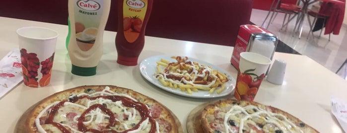 Pasaport Pizza is one of สถานที่ที่ Yusuf ถูกใจ.