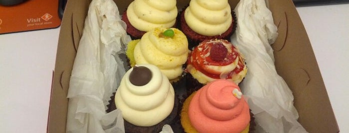 CamiCakes Cupcakes is one of Tempat yang Disukai Chris.