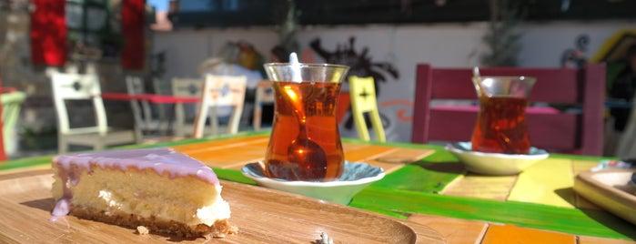 Gar Fırın&Kafe is one of Π'ın Beğendiği Mekanlar.
