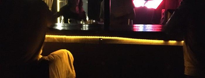 Peron Bar&Performance is one of Nightlife In Eskişehir.