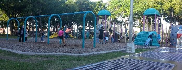 Huffhines Park is one of Ray'ın Beğendiği Mekanlar.