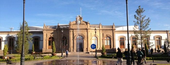 Centro Cultural Y De Convenciones Bicentenario is one of Rafaさんのお気に入りスポット.