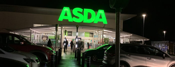 Asda is one of Carlさんのお気に入りスポット.