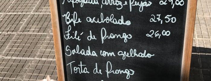 Casa da Árvore Café is one of Quero ir.
