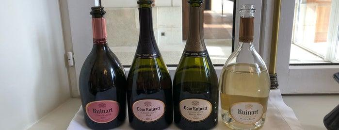 Champagne Ruinart is one of สถานที่ที่ Ruggero ถูกใจ.