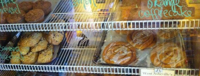 West End Bakery is one of Lugares favoritos de Pattie.