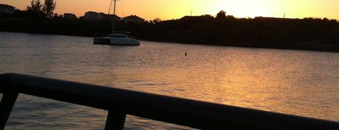 Dodgy Dock Grenada is one of Ronald 님이 좋아한 장소.
