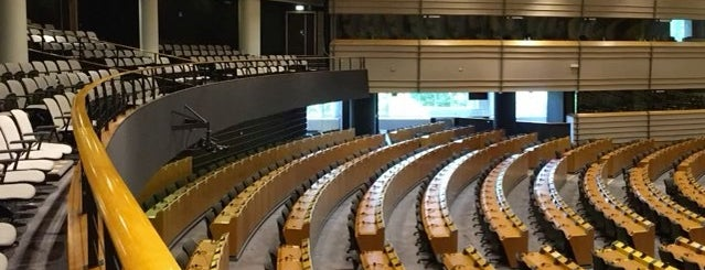 European Parliament Library is one of The best in Europe.