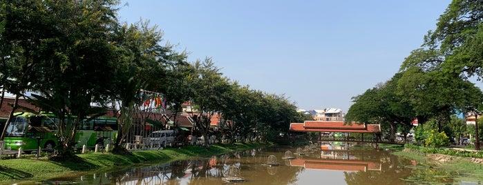 Siem Reap River is one of cose da fare in cambogia.