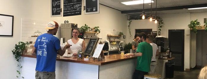 Soleil Cafe is one of Orte, die Brittany gefallen.