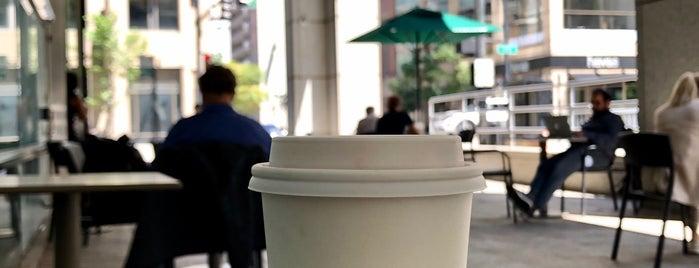 Starbucks is one of IrmaZandlさんのお気に入りスポット.