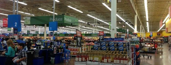 Walmart Supercenter is one of Tempat yang Disukai Hakan.