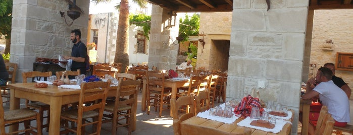 Gramvousa Restaurant is one of Yunan Adaları.