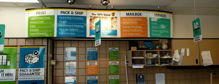 The UPS Store is one of Lieux qui ont plu à Stephen.