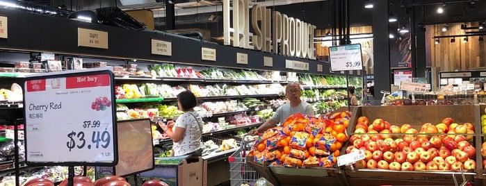 H Mart Asian Supermarket is one of Lieux sauvegardés par K.