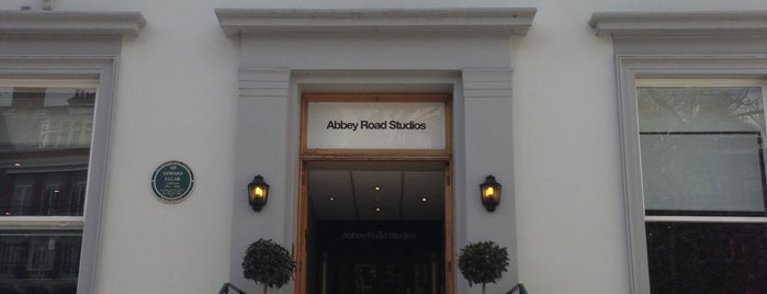 Abbey Road Studios is one of Tannia 님이 저장한 장소.