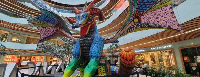 Centro Comercial Manacar is one of Posti che sono piaciuti a Ernesto.