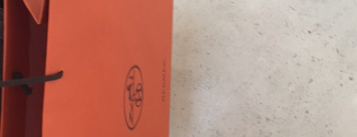 Hermès is one of 9aq3obeyaさんのお気に入りスポット.